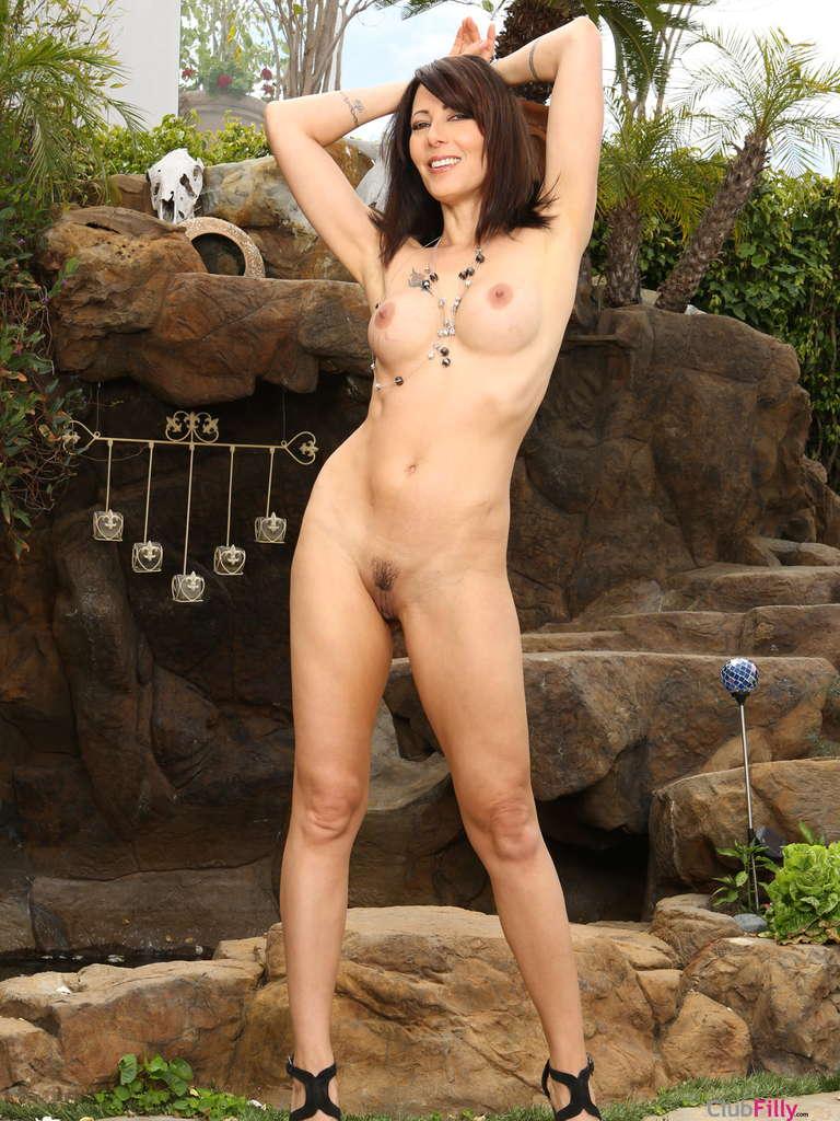 Sapphic Nude 98